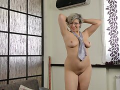 Obese mature Angel Newborn with glasses moans to the fullest pleasuring her cunt