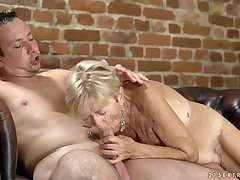 Saggy titties are sexy on a cock riding granny