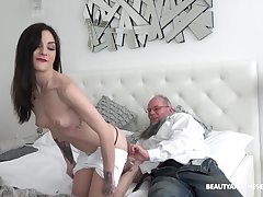 Teen babe Lulu Gun has an old dick fetish ergo she rides a handful of