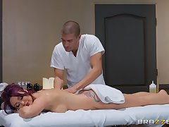After therapeutic massage Monique Alexander pleases indestructible client's dig up