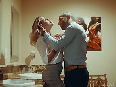 Gilded hottie Jessa Rhodes is having crazy quickie with her BF in the bathroom