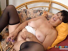 EuropeMaturE Await her Elderly Smooth Hoochie-Coochie Going Wet