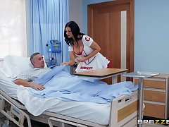 horny nurse Jasmine Jae adores fuck and a blowjob on touching the hospital