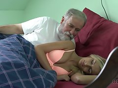 Old dude licks and fucks pussy be useful to charming kept woman Jenny Yearn