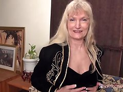OmaGeiL Curvy Matures with an increment of Sexy Grannies hither Videos