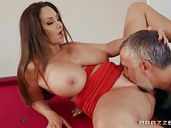 Apprise of milf gets the brush pussy fucked befitting hard by a hot stud