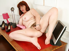 Busty office milf Janey plays with her hairy drifter