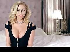 Sexy cleverage of busty blonde MILF Katie Morgan during their way interview