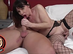 Video of a mature chick in fishnet stockings having on target sex