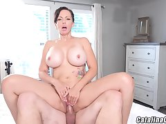 Catalina Cruz - Racy Housewife Catalina Cruz Bounces Ass Fucking Blarney