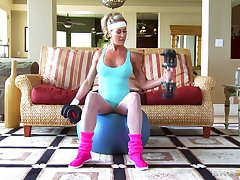 Fit cougar Brandi Love gets licked and fucked + facial ending