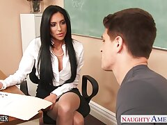 Fucking hot teacher Jaclyn Taylor lifts her skit up coupled with offers ambrosial pussy