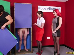 Naked man gets his locate sucked by Jesse Jayne and Roxi Keogh